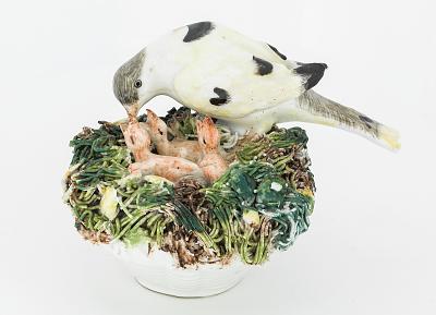 Meissen figure: a pair of nesting birds