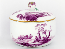 Meissen sugar bowl and cover (part of a service)