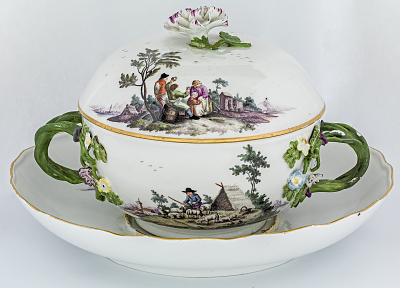 Meissen covered bowl and stand