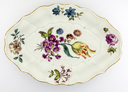 Meissen stand for a tureen