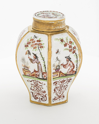 Meissen tea caddy and cover