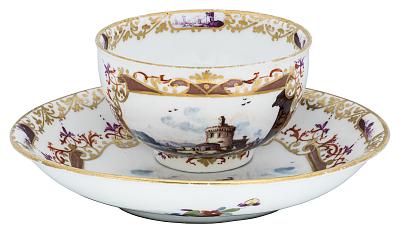 Meissen tea bowl and saucer