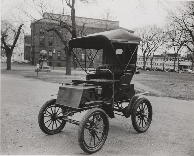 Columbia Electric Automobile, 1904