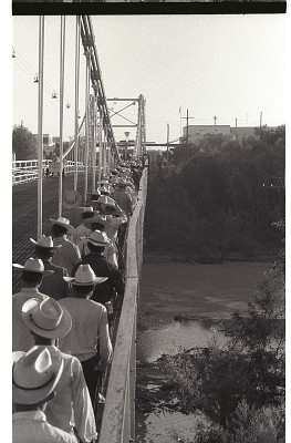 Braceros Crossing Bridge