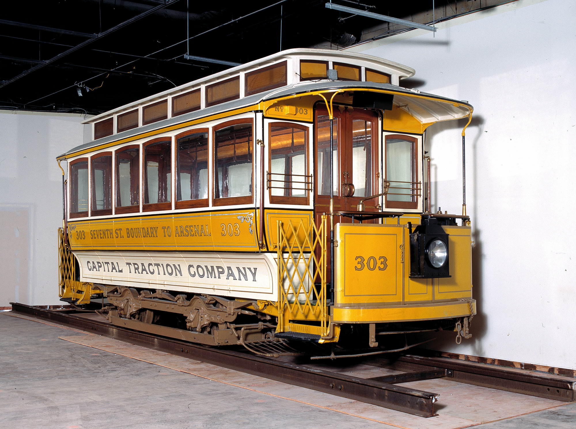 Electric streetcar, 1898