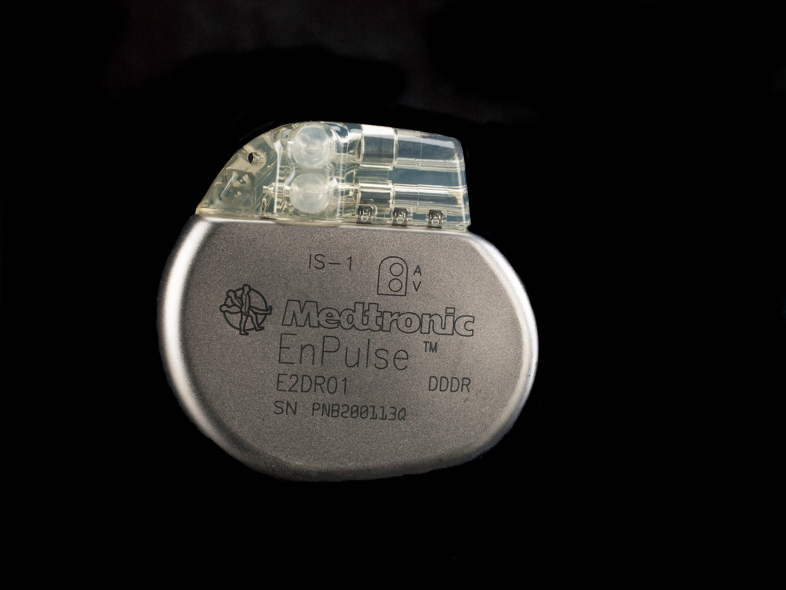 Resources :: Medtronic EnPluse Pacemaker | Smithsonian Learning Lab