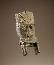 Crest mask