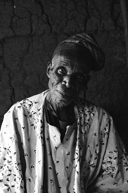 Bamgboye, a sculptor, Odo-owa, Nigeria, [negative]