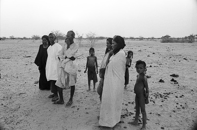 Young men and women, children, Abouza, Zinder-Tanout region, Niger, [negative]