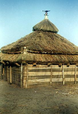Pende [slide] : [Chief's ritual house at Akwa Mushinga]