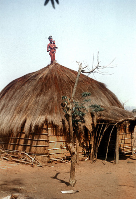 Pende [slide] : [Chief's ritual house at Kombe]