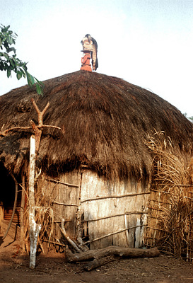 Pende [slide] : [Chief's ritual house at Kisakanga]