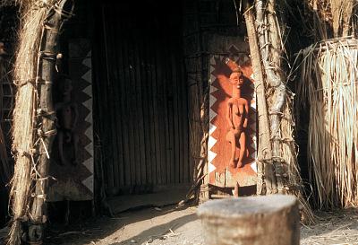 Pende [slide] : [Door-panel at Mbwambwa]