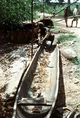 The making of a dugout canoe at Ndibe Beach, on the Cross River, Nigeria. [slide]