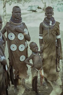 Turkana girls : Kenya