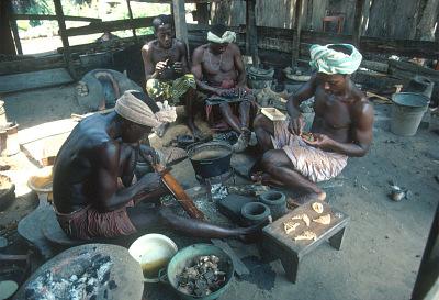 Kyaman goldsmiths, Anna village, Ivory Coast, [slide]
