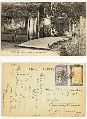 Nossy-Bé [postcard] : Femmes Sakalava - Fabrique Rafia