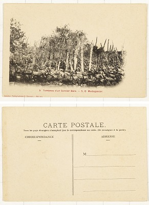 Tombeau d'un Sorcier Bara [postcard] : S. O. Madagascar