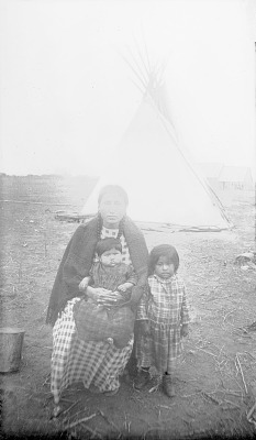 Jim Frost's Wife and Two Children 1892