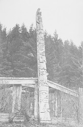 [Totem pole of Chief Skowl] 1922 or earlier
