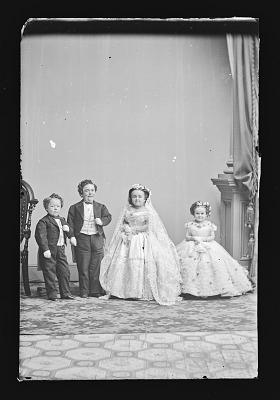 Strattons, G.W.M. Nutt, and Minnie Warren (wedding party)