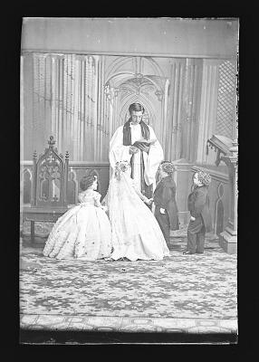 Strattons, G.W.M. Nutt, and Minnie Warren [wedding party]