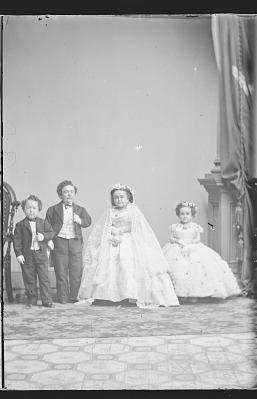 Strattons, G.W.M. Nutt and Minnie Warren (wedding party)