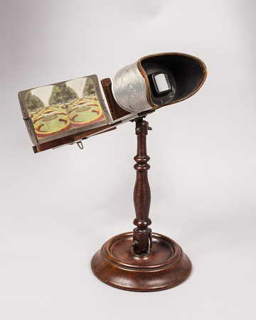 Stereoscope with stand, about 1900