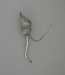 Bouquet holder, filigree with twisted handle