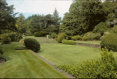 [The Admiralty] [slide (photograph)]: sunken garden with brick retaining walls and stairs