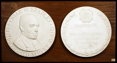 Omar N. Bradley Distinguished Service Award for Distinguished Contribution to National Security (design for reverse)