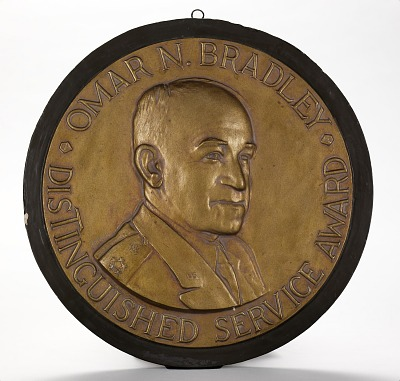 Omar N. Bradley Distinguished Service Medal for Distinguished Contribution to National Security (design for obverse)