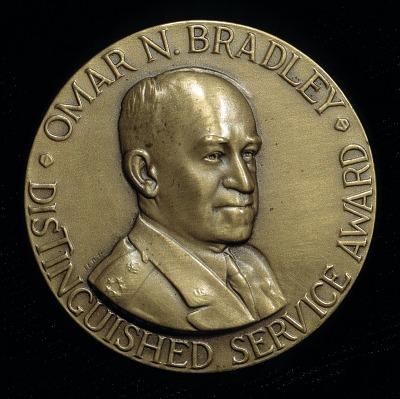 Omar N. Bradley Medal Distinguished Service Award (design for obverse)