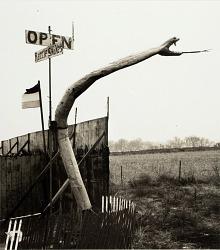 Snakepit sculpture, Highway 66, Sayre, Oklahoma