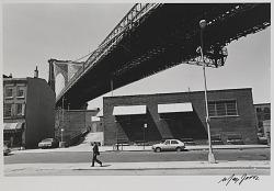 Man Walking, Brooklyn Bridge