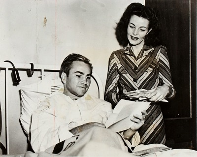 Barney Ross with wife, Cathy, in St. Albans Naval Hospital