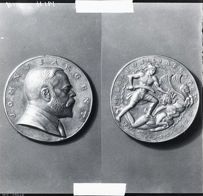 John Singer Sargent Portrait Medal (obverse and reverse) [sculpture] / (photographed by Peter A. Juley & Son)