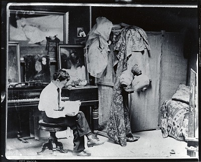 William Glackens in his studio at 1919 Chestnut Street, Philadelphia [photograph] / (photographed by Peter A. Juley & Son)