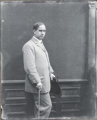Charles Webster Hawthorne [photograph] / (photographed by Peter A. Juley & Son)