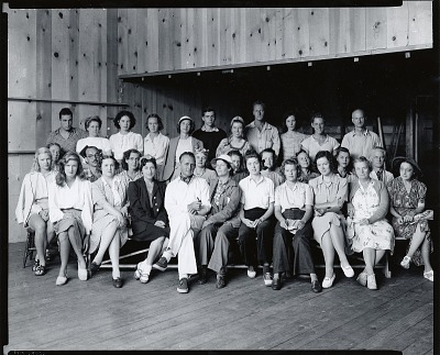 Jerry Farnsworth and his wife Helen Alton Sawyer with class at the Farnsworth School of Art, North Truro, Massachusetts [photograph] / (photographed by Peter A. Juley & Son)