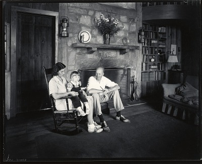 Yngve Edward Soderberg with his family [photograph] / (photographed by Peter A. Juley & Son)