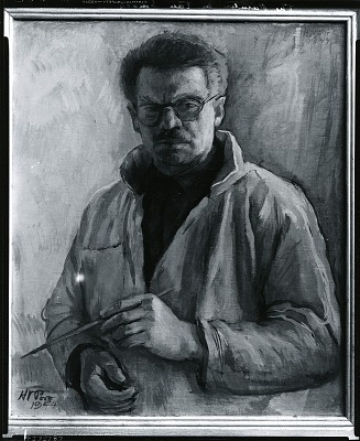 Painter in Tan Smock (Self Portrait) [painting] / (photographed by Peter A. Juley & Son)
