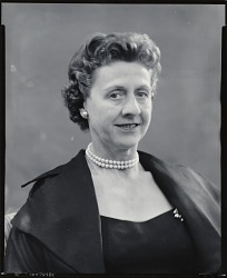 Mrs. Ogden Pleissner [photograph] / (photographed by Peter A. Juley & Son)