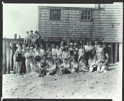 Henry Hensche with class at the Cape School of Art, Provincetown [photograph] / (photographed by Peter A. Juley & Son)
