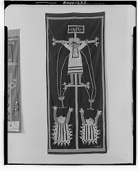 Crucifixion [decorative arts] / (photographed by Walter Rosenblum)