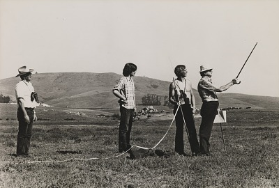 Running Fence, Sonoma and Marin Counties, California, 1972-76, Staking the course