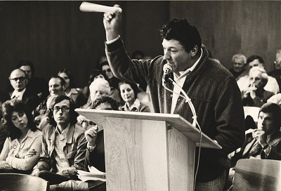 Running Fence, Sonoma and Marin Counties, California, 1972-76, Speaker, rancher Ed Pozzi at special hearing of Sonoma County Board of Supervisors