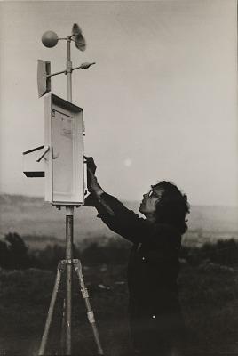 Running Fence, Sonoma and Marin Counties, California, 1972-76, Christo checks anemometers