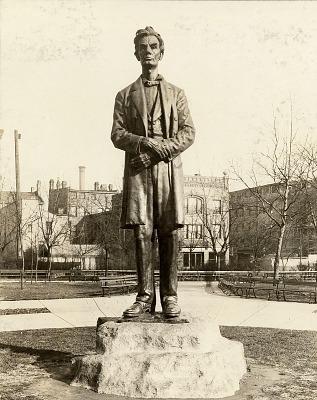 Abraham Lincoln [sculpture] / (photographer unknown)