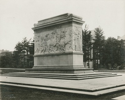 Soldiers and Sailors Monument (back) [sculpture] / (photographed by Knapp)